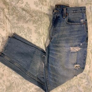 Abercrombie & Fitch Jeans - Abercrombie high knee mom jeans